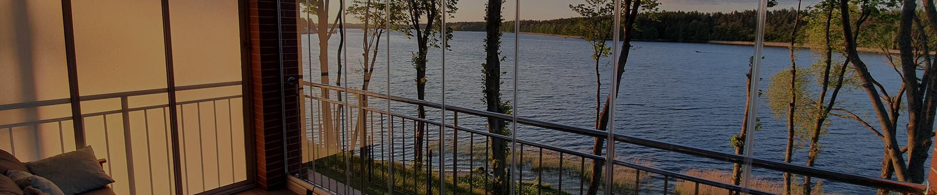 jezioro za oknem